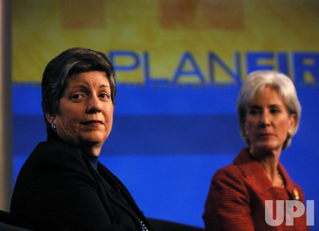 U.S. government health officials speak on Swine Flu in Washington