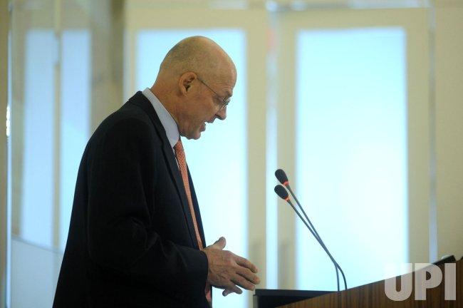 Secretary Paulson speaks on the economy in Washington