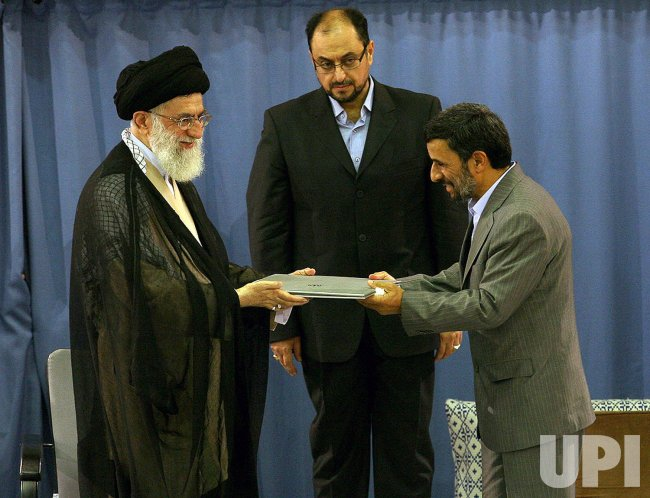 Mahmoud Ahmadinejad endorsed by Khamenei at ceremony in Tehran