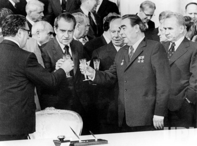 HENRY KISSINGER AND RICHARD NIXON MEETING WITH NIKOLAI PODGORNY, LEONID BREZHNEV AND ALEXEI KOSYGIN