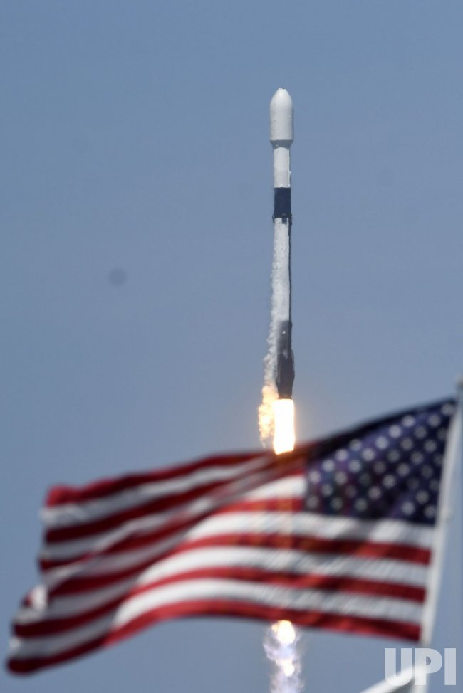 SpaceX Launches Starlink Satellites From the Kennedy Space Center, Florida