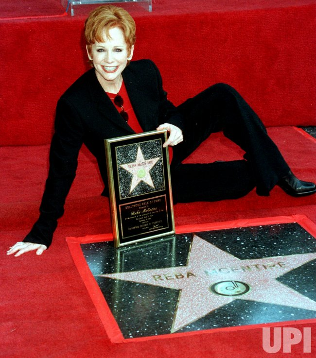 Reba McEntire gets her Hollywood Walk of Fame star