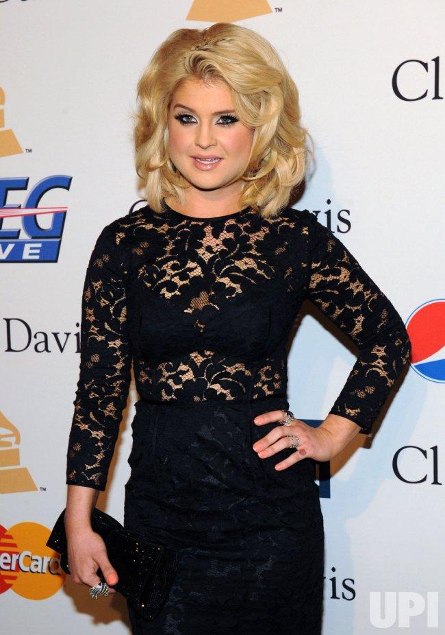 Kelly Osbourne arrives at pre-Grammy gala honoring David Geffen in Beverly Hills, California