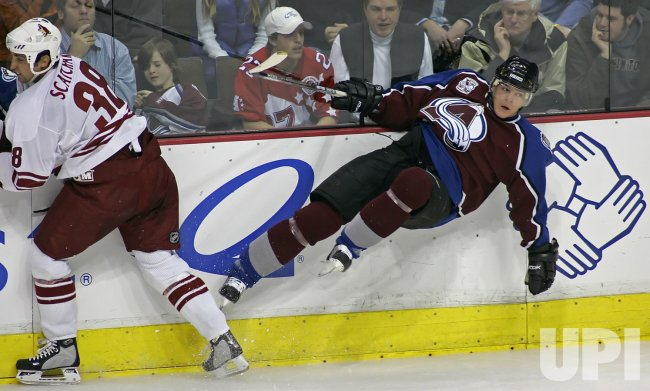 NHL PHOENIX COYOTES VS COLORADO AVALANCHE