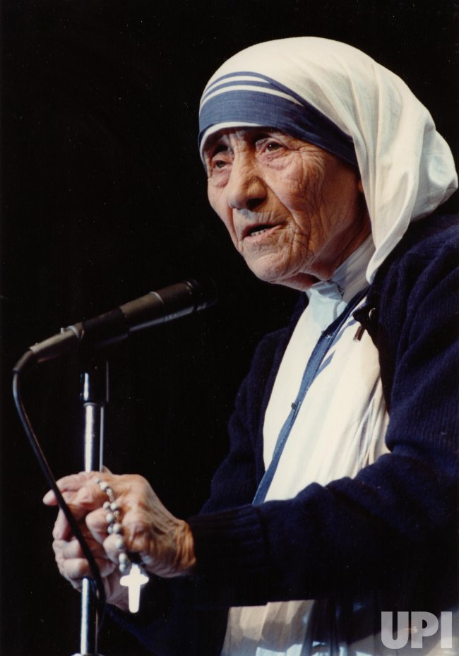 MOTHER TERESA SPEAKING AT RECEPTION