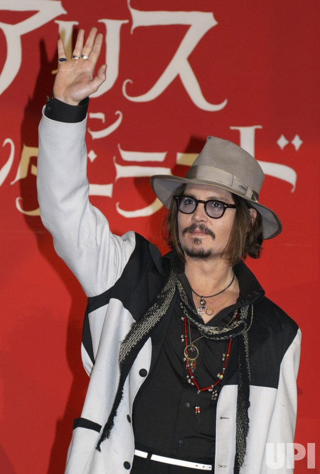 "Johnny Depp promotes ""Alice in Wonderland"" in Japan"