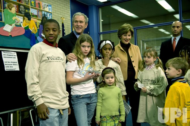 President Bush visits Martin Luther King Jr. Library in Washington