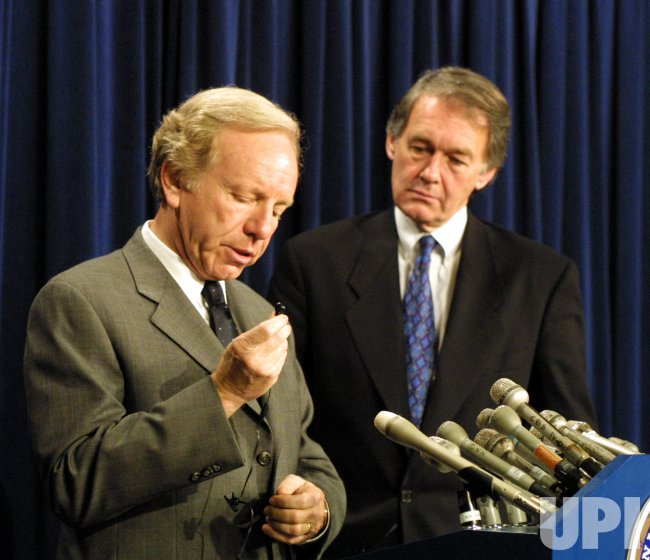 Sen. Joseph Lieberman releases report on cell phone safety