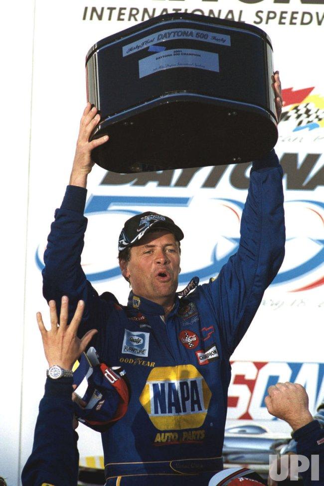 Michael Waltrip Wins Daytona 500
