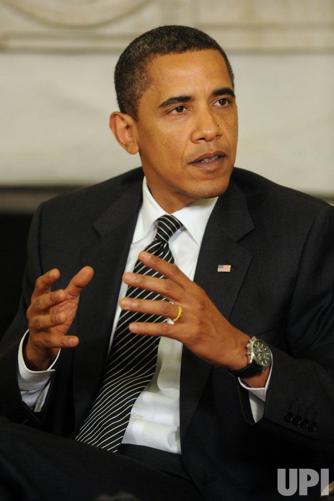 Obama meets with Philippine President Gloria Arroyo at White House