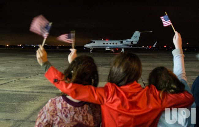 Expedition 46 return At Ellington Field in Houston