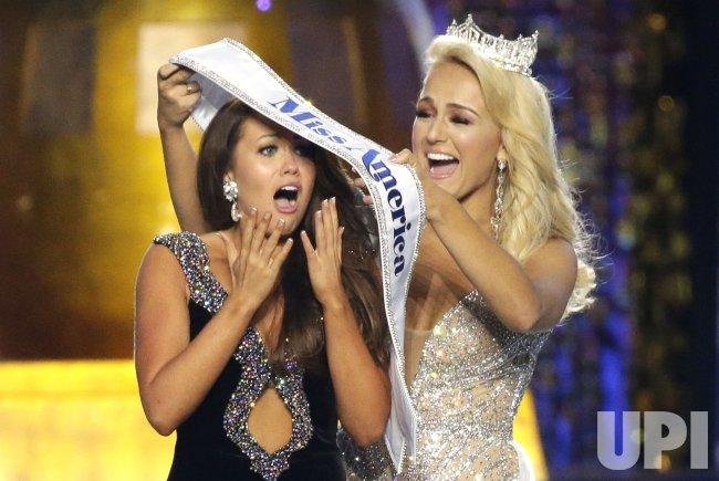 Miss North Dakota Cara Mund wins Miss America