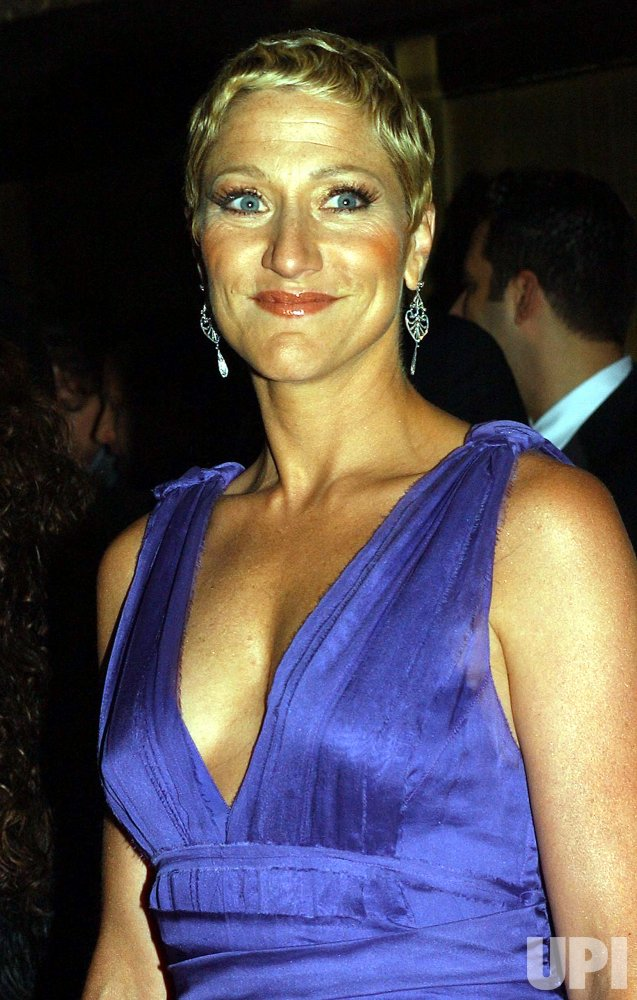 2004 TONY AWARD CEREMONIES ARRIVALS
