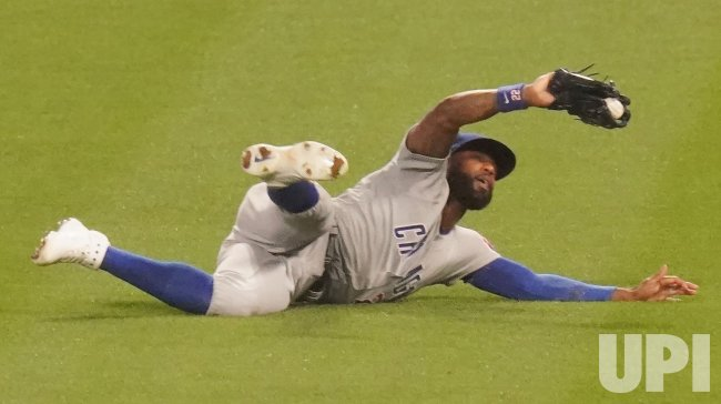 Chicago Cubs Jason Heyward Makes Diving Catch