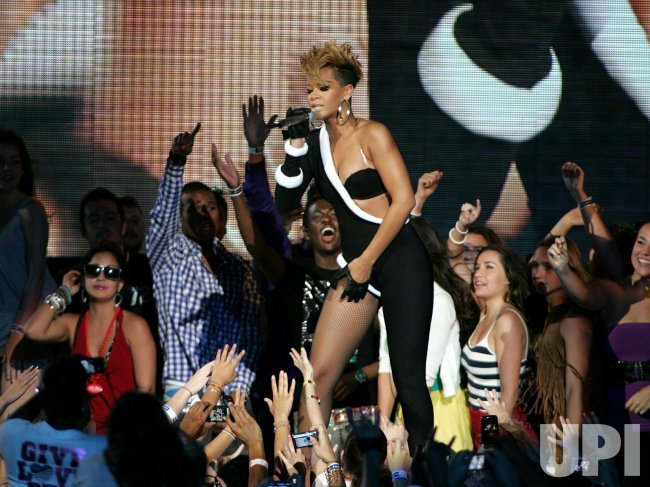 Rihanna performs at the Super Bowl Pepsi Fan Jam in Miami Beach