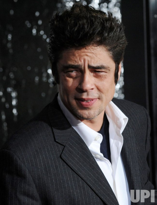 "Benicio Del Toro arrives for ""The Wolfman"" premiere in Los Angeles"