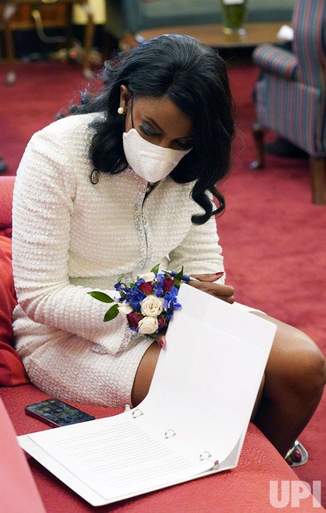 Tishaura O. Jones Sworn In As First Black Woman Mayor of St. Louis