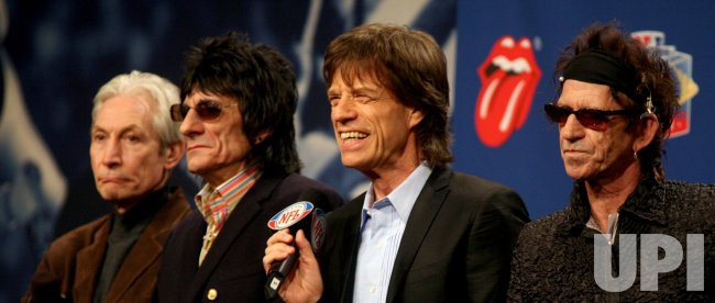 ROLLING STONES PLAY AT HALFTIME