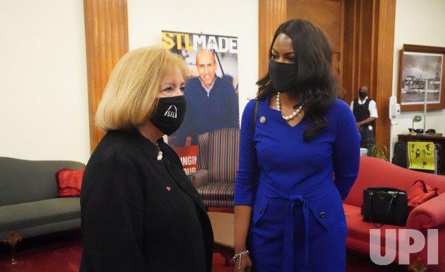 St. Louis Mayor Krewson Meets With Mayor -Elect Jones