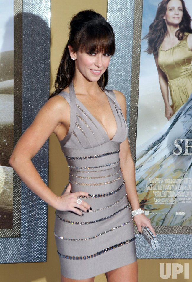 "Jennifer Love Hewitt arrives at the ""Sex And The City 2"" premiere at Radio City Music Hall in New York"