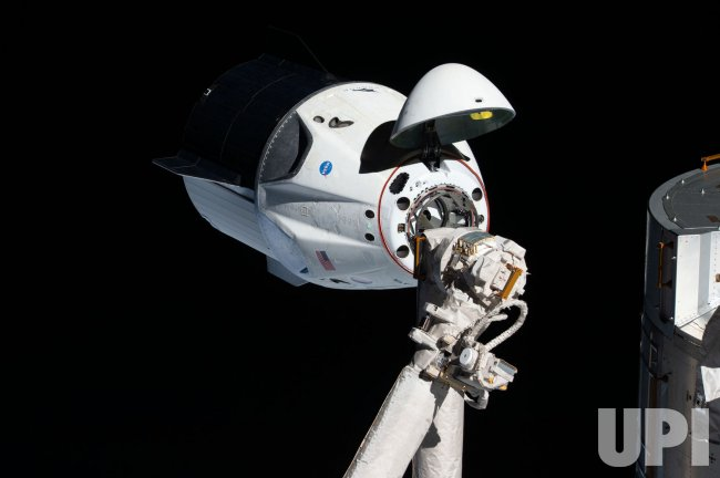 SpaceX Crew Dragon Capsule Docks with International Space ...