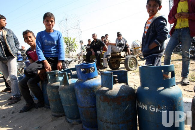 COOKING GAS IN SHORT SUPPLY IN GAZA
