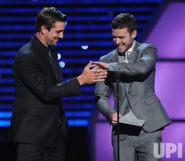 Aaron Rodgers and Justin Timberlake present the award for Best Male College Athlete at the ESPY Awards in Los Angeles