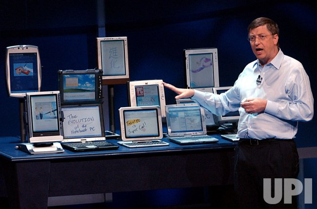 Bill Gates unveils Microsoft's new Tablet PC