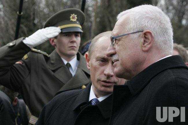 RUSSIAN PRESIDENT PUTIN VISITS CZECH REPUBLIC