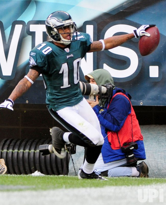 DeSean Jackson celebrates his touchdown against the Giants in Philadelphia