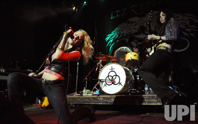 All-Girls Band Lez Zeppelin plays Led Zeppelin in Virginia