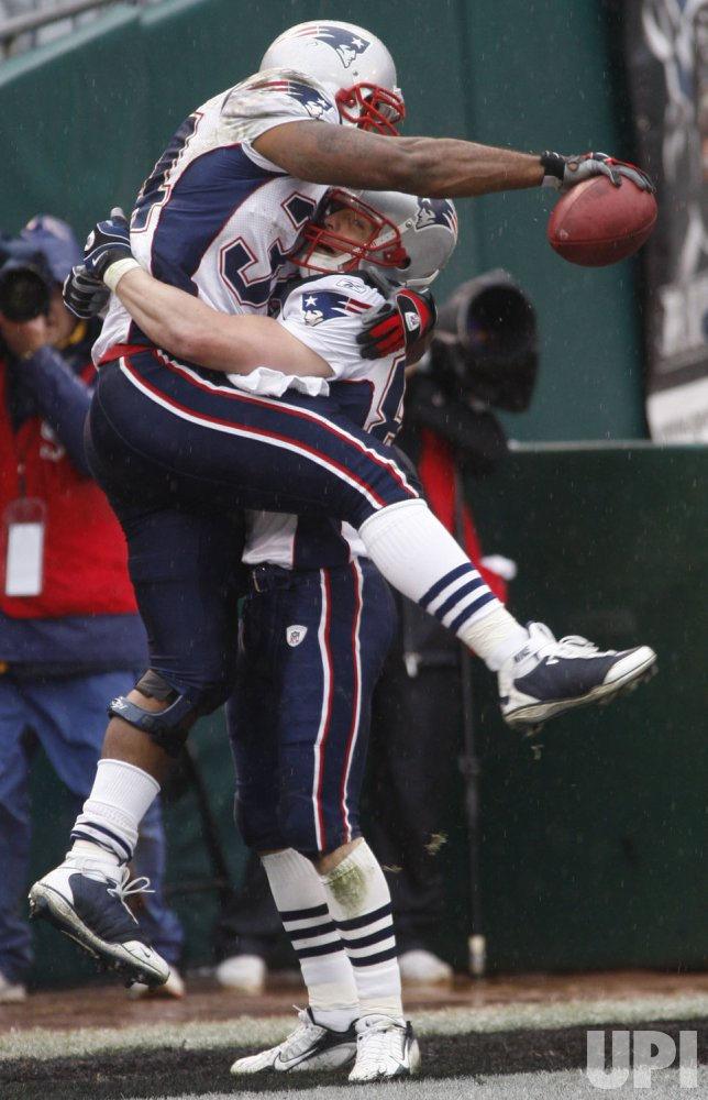 Oakland Raiders vs New England Patriots in Oakland, California