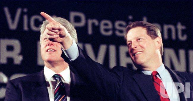 Clinton/Gore at Fairleigh dickson unv. in new jersey