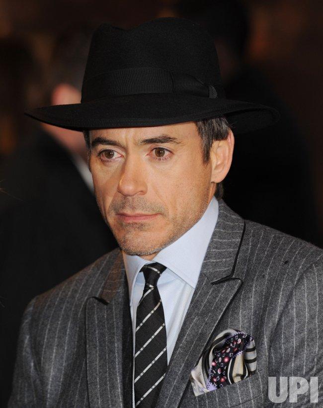 """Robert Downey Jr. attends """"Sherlock Holmes"""" premiere"""