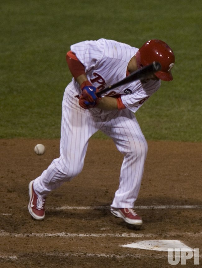 Phillies Shane Victorino hit by pitch