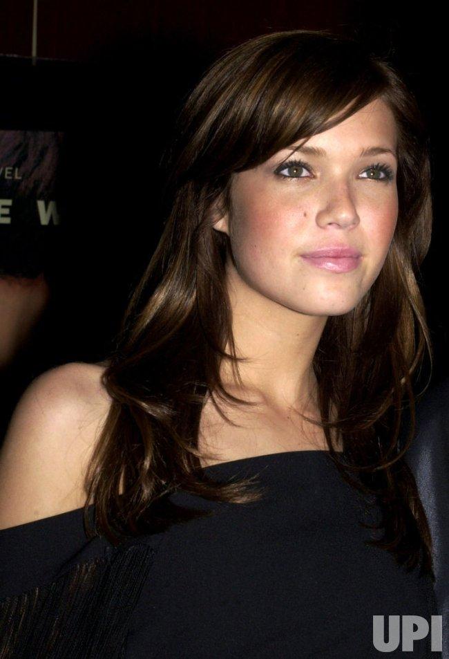 "Mandy Moore film premiere ""A Walk To Remember"" - UPI.com"