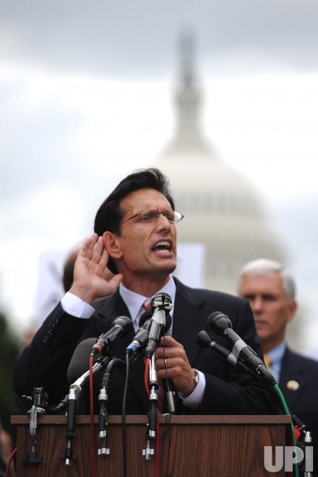 Rep. Cantor (R-VA) speaks out against Obama's health care plan at a rally in Washington