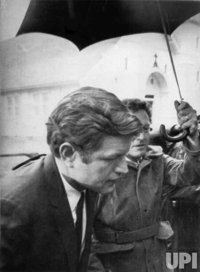 Sen. Ted Kennedy Enters Dukes County Courthouse Concerning