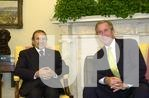 Bush meets with Algerian President