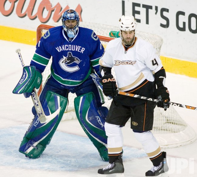 Anaheim Ducks vs Vancouver Canucks