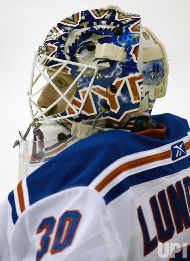 Rangers Goalie Lundqvist Warms Up in Denver