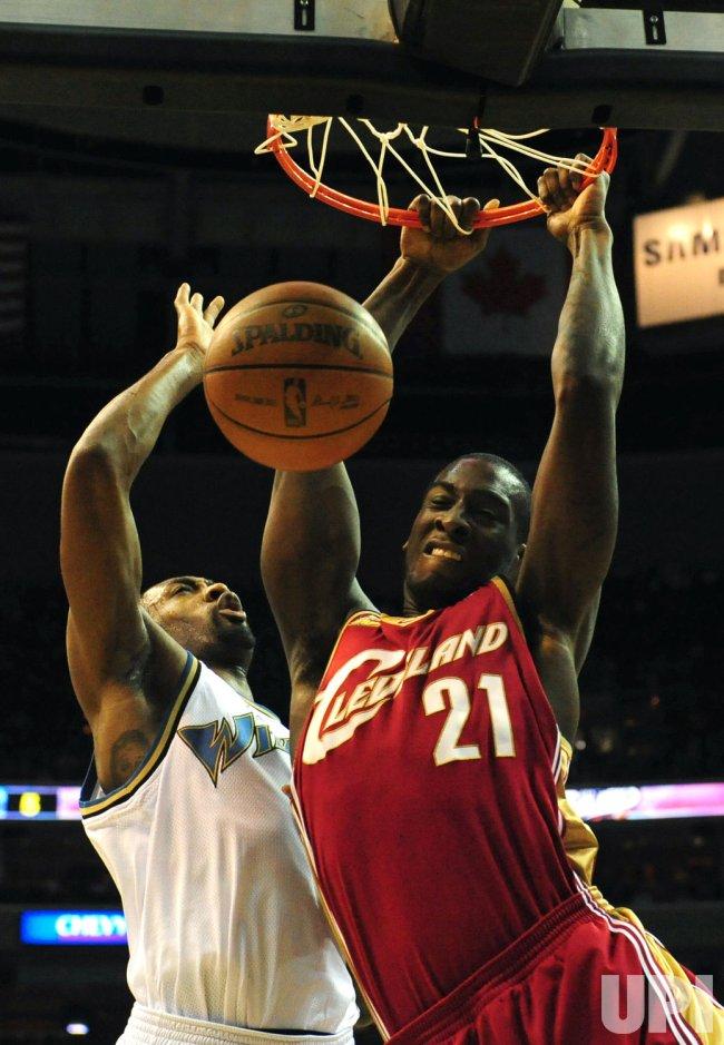 Cavaliers' J.J. Hickson dunks the ball in Washington
