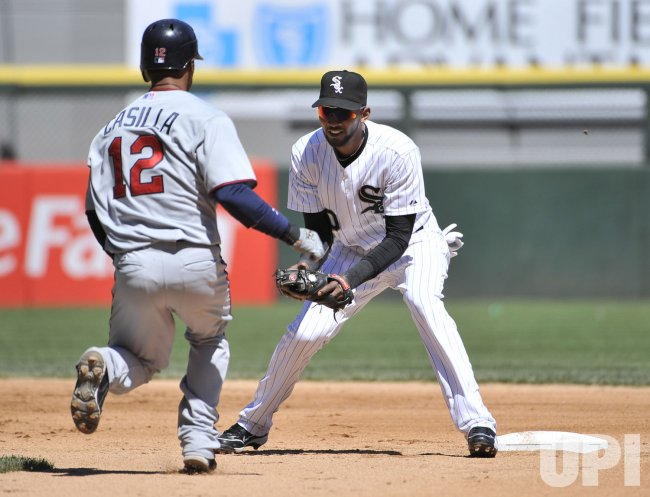 White Sox Ramirez tags out Twins Casilla in Chicago