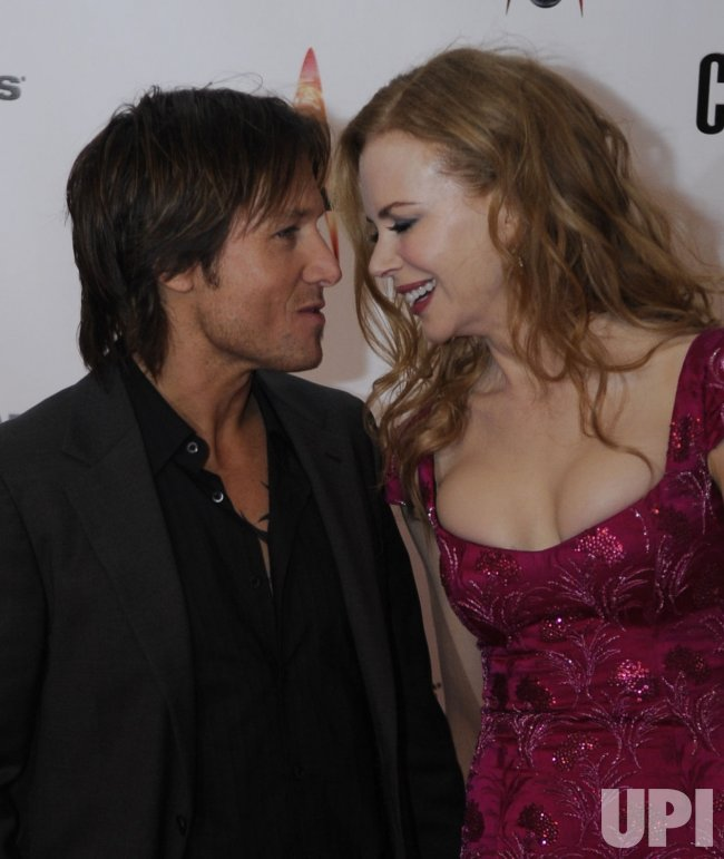 Keith Urban and Nicole Kidman arrive at the 43rd Annual CMA Awards in Nashville