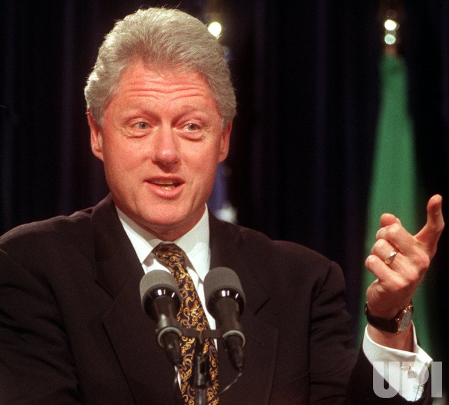 Clinton holds joint news conference at White House
