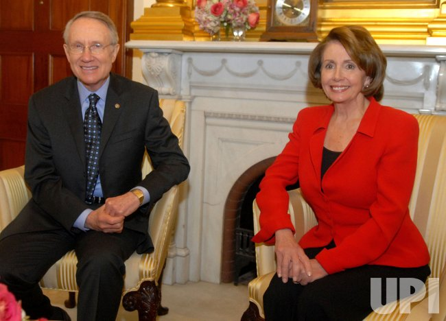 Speaker Pelosi meets with Senate Majority Leader Reid in Washington