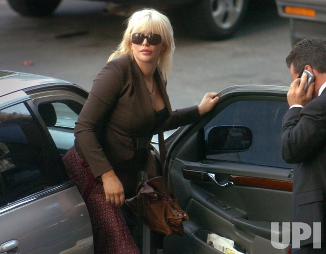 COURTNEY LOVE PROBATION VIOLATION HEARING