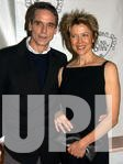 ANNETTE BENING ATTENDS THE NATIONAL BOARD OF REVIEW 2004 AWARDS GALA