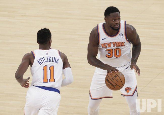 New York Knicks vs Charlotte Hornets at MSG