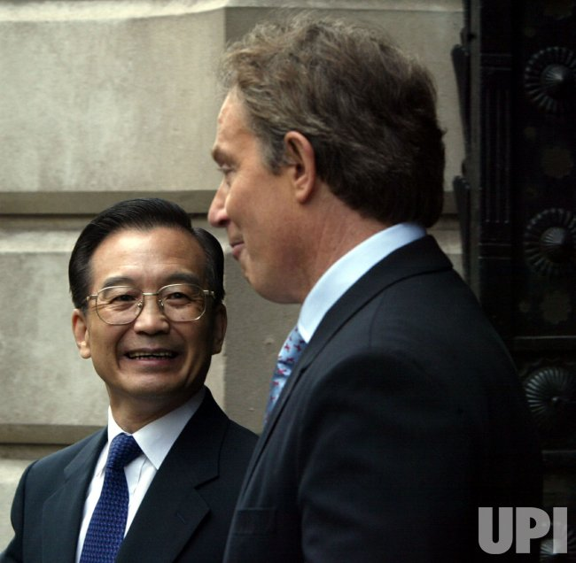 BRITISH PRIME MINISTER TONY BLAIR MEETS CHINESE PRIME MINISTER WEN JIABAO IN LONDON FOR TRADE TALKS